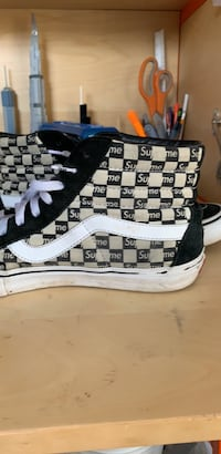 These are supreme vans, they are in good condition  Sacramento, 95818