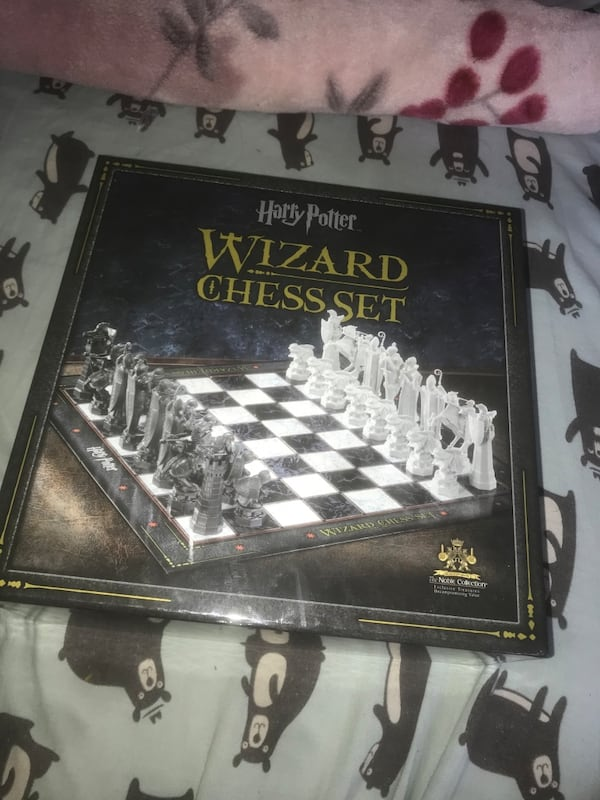 Harry Potter Wizard Chess Set 16be967d-aa11-472c-be75-61e856816a22