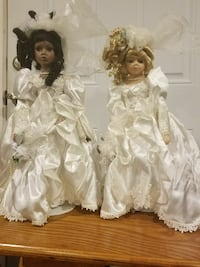 Porcelain dolls  Clinton