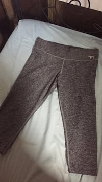 VS sport capri's size medium Macdonald, R0G 0A2