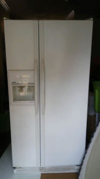 white side-by-side refrigerator with dispenser Centreville, 20120