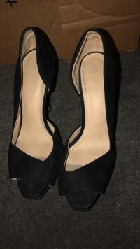 pair of black leather peep-toe heeled sandals Arlington, 22204