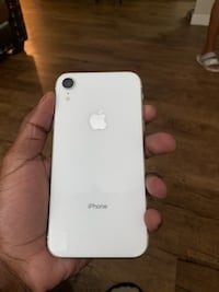 iPhone XR (white) Greenville, 29605