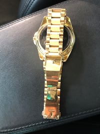 Round gold analog watch with link bracelet Moore, 29369