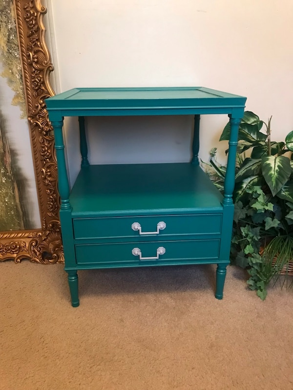 Accent table with drawers c0329747-4456-4f72-90b9-ae5378760616