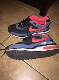 pair of gray-black-and-red Nike Air Max shoes Vaughan, L4H 0E5