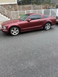 2005 Ford Mustang!!