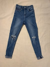 H&M high waisted ripped skinnys Markham, L3T 3X9