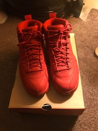 Jordan's 12s gym red size 9 cash only  Indianapolis, 46201