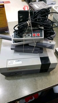NES System with Accessories Ajax, L1S 3V4