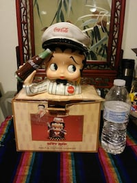 Coca-Cola Betty Boop ceramic figurine with box