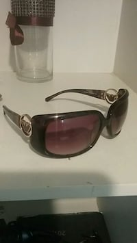 black framed sunglasses with case Calgary, T1Y 2R6