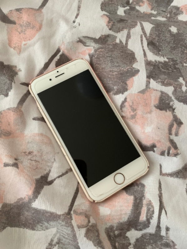 Unlocked Used iPhone 6S (Rose Gold)