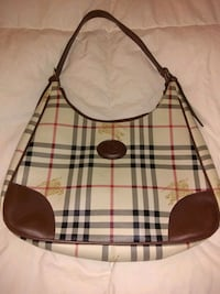 Burberry purse  Inverary, K0H 1X0