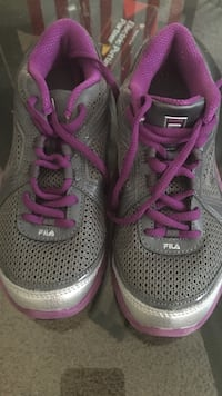 Girls Fila tennis shoes Palmdale, 93551