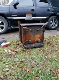 Wood stove for shop . Comes with reducer pipe 8 in  to 6 in