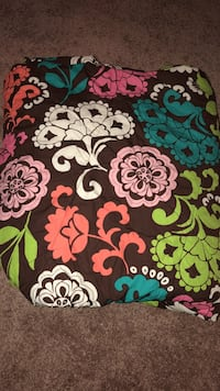 Vera Bradley comforter w/ 2 pillow cases Louisville, 40218