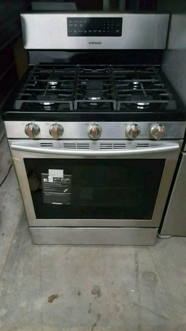 stainless steel gas range oven fa32726a-a606-41df-8a85-b2cb2b1fc613