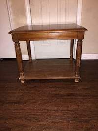 Solid wood accent table Houston, 77036