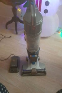 Cordless Hoover Air vacuum cleaner  Oklahoma City, 73127