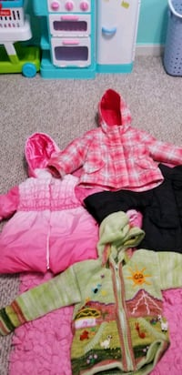 Huge bundle of toddler girl clothes  Stafford, 22556