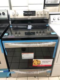 New Frigidaire gallery 5 burners convection oven stainless steel stove Baltimore, 21224