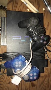 Black sony ps2 console with controllers Newburgh, 12550