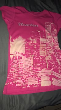 pink high rise building printed crew-neck t-shirt