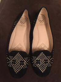 Authentic Vince camuto shoes size 9 worn twice maybe in excellent condition Calgary, T3A 2E6