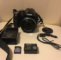 Brand New camera with all accessories as in the picture. Paris, 75011