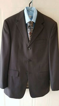 Size 36 Suit with 2 Shirts & Tie Barrie, L4N
