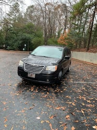 Chrysler - Town and Country - 2010 651 mi
