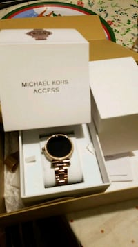 Smartwatch Michael Kors still new Frederick, 21701