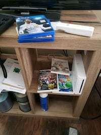 wii 3 games 2 controllers