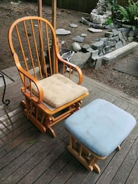 rocking chair, needs to be fixed and reupholstered Bonney Lake, 98391