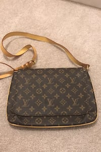 Purse for sale not real deal but looks like one  Brampton
