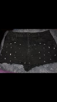 Shorts (Hot Topic) size 11 Mercedes, 78570