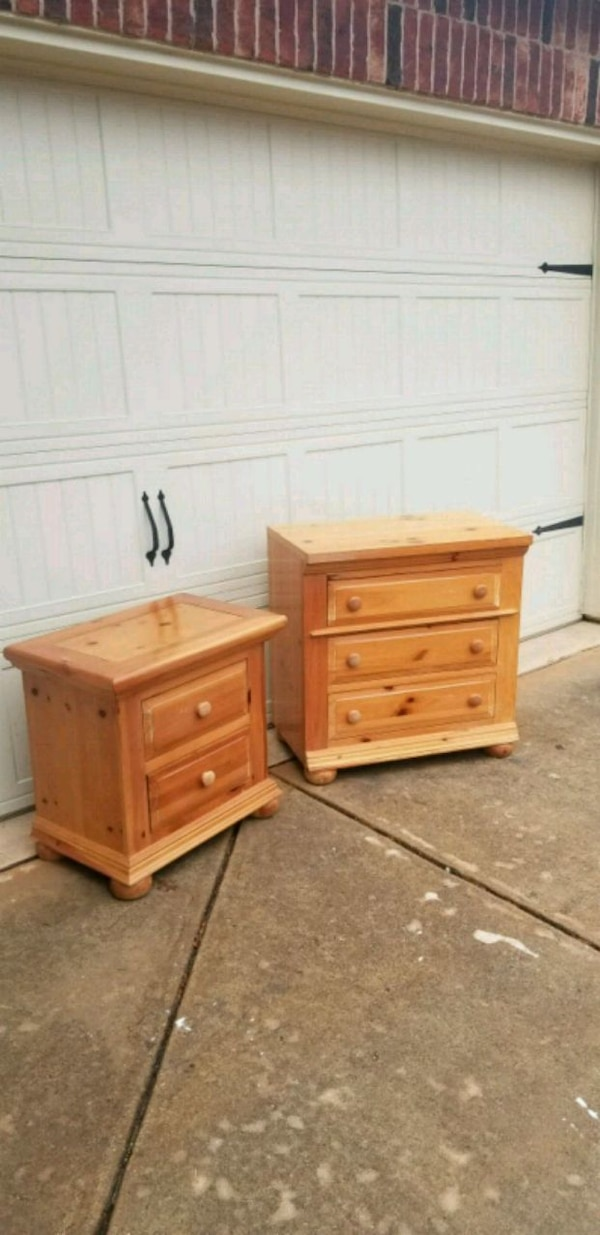 Strange Broyhill Fontana Pine Nightstand And Small Dresser Dailytribune Chair Design For Home Dailytribuneorg