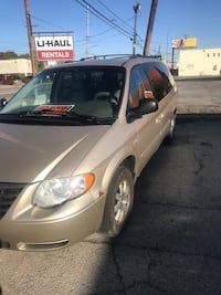 2008 Chrysler Town & Country Youngstown