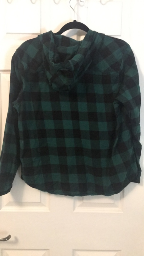 Two XLarge Green Long Sleeves - One Camo and One Plaid 2e440702-d476-44d6-82f4-f107660583b4