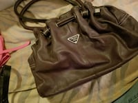 brown leather 2-way handbag London, N5V 1R1
