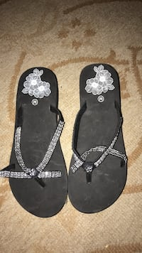 Black flip flops size 8 Madrid, 50156