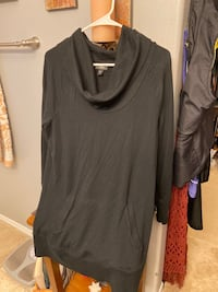 Black pocketed long sweater Vancouver, 98683