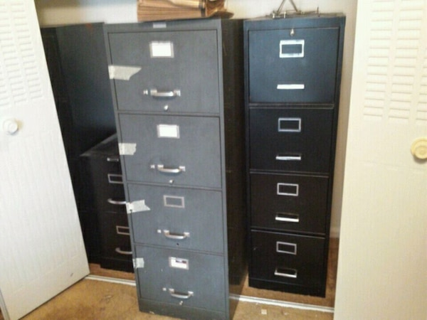 Lots Of Filing Cabinets Diffe Sizes And Color