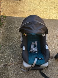 baby's blue and black car seat carrier Montgomery Village, 20886