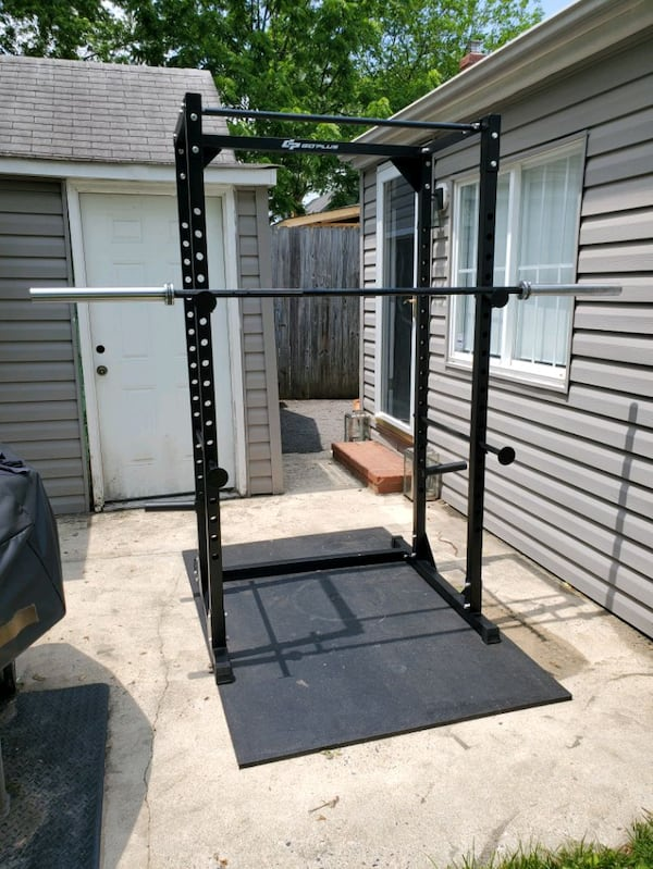 Brand new power rack (barbell not included) de3d0c17-9d22-4e18-a48f-4047579a6daf