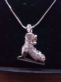 silver clear gemstone ice skate pendant neck Surrey, V3R 1B6