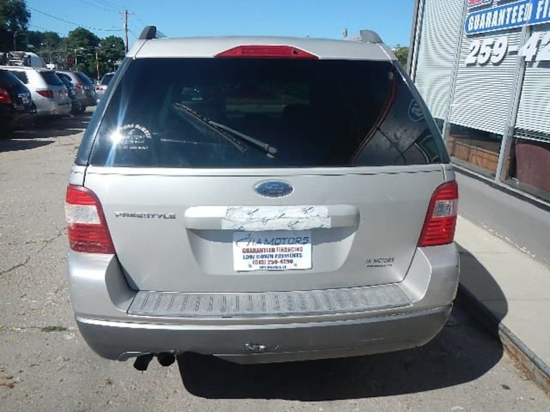 2006 Ford Freestyle SE DISCOUNTED $2000 OF RETAIL 40613d2c-8bf8-48bb-83a5-5e8ab3aa349a
