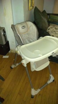 Baby high chair in good condition Chicago, 60625
