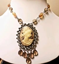 Gorgeous Vintage Style Fifth Avenue Collection Jewelry Set!